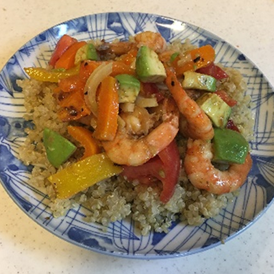 Mexican Salad with Shrimp and Quinoa Seeds